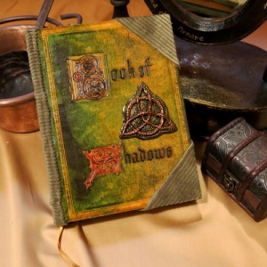 03 - Book of Shadows (grande) Libro delle Ombre copertina